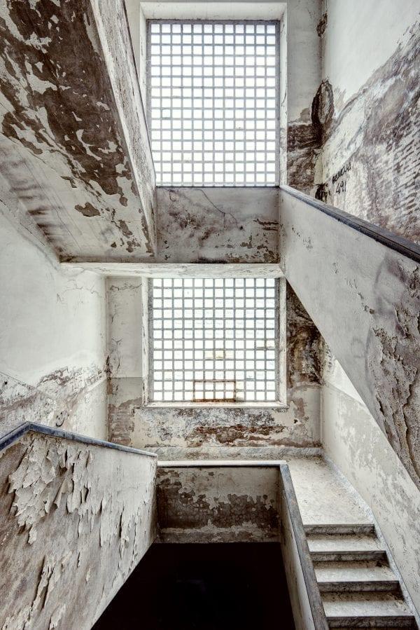Manicomio de Scala -Gina Soden-The Art Buyer Gallery